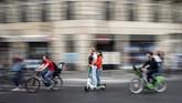 Jerman, Prancis, dan Singapura adalah negara-negara yang menerapkan peraturan tegas tentang penggunaan skuter listrik demi alasan keamanan.
