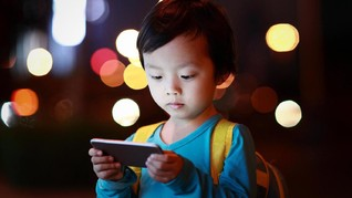 Atasi Kecanduan Internet, China Larang Anak Sekolah Bawa HP