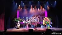 <p>Operet ini diperankan oleh lebih dari 130 anak yang berasal dari tiga rusun di Jakarta, yakni Rusun Rawa Bebek, Rusun Daan Mogot, dan Rusun Pulo Gebang. Serta dibantu oleh para penari dan penampil profesional. </p>