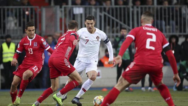Cristiano Ronaldo mencetak satu gol saat timnas Portugal memastikan tiket ke Piala Eropa 2020 usai mengalahkan Luksemburg 2-0.