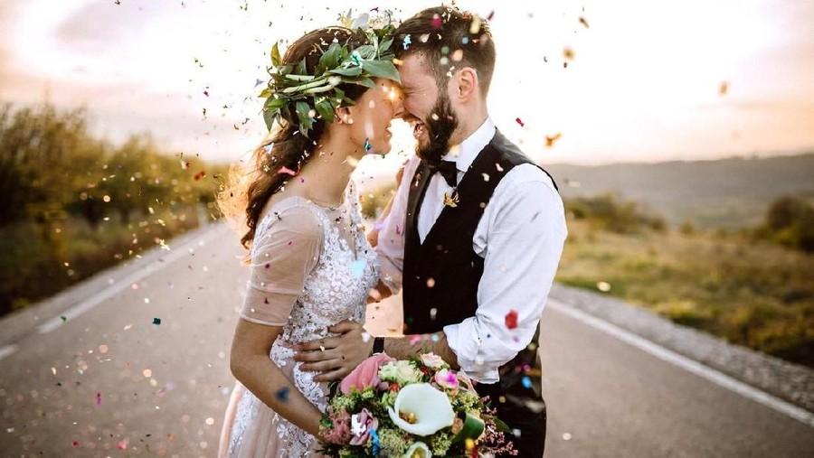 Cintaku Bersemi di Warnet, Nikah di Usia 20 & Persiapan Cuma 5 Hari