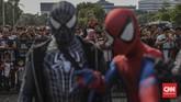 Si Pitung, Naruto, sampai Superman dan Thanos terlihat mondar-mandir di Lapangan Silang Monas, Jakarta Pusat, Minggu (17/11) dalam acara Jakarta Cosplay Parade.