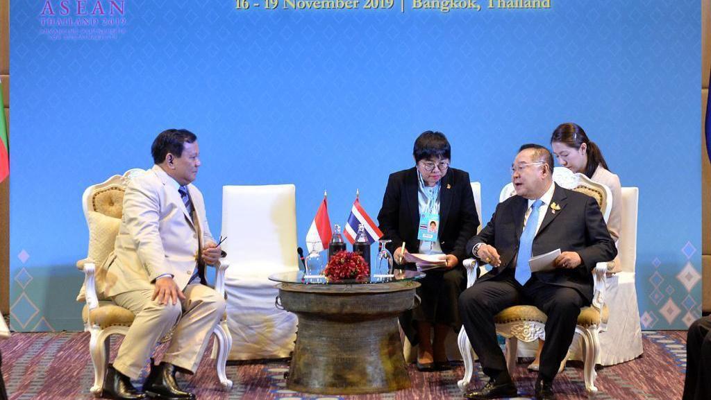 Bertemu Menhan se-ASEAN, Prabowo Kenalkan Industri Pertahanan Buatan Pindad