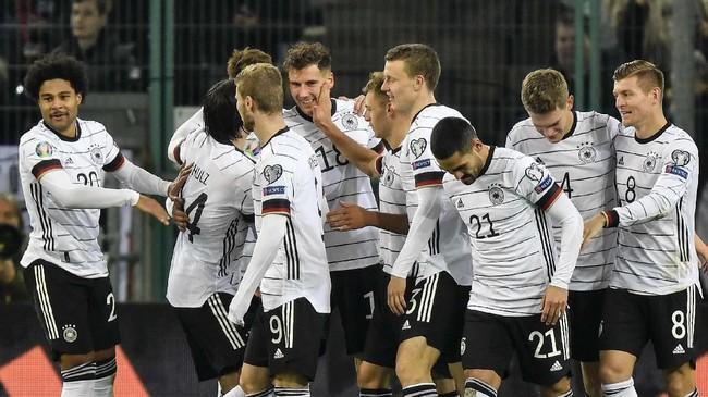 Timnas Jerman dan Belanda menjadi dua tim raksasa terbaru yang memastikan langkah ke putaran final Piala Eropa 2020.