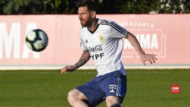 Aguero: Messi Pemain Pertama yang Menderita di Timnas