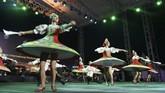 Puluhan artis dalam dan luar negeri menampilkan beragam kesenian dengan penuh semangat dalam JakIPA 2019 di kawasan Monas, Minggu (17/11).