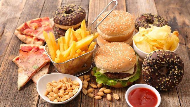 Sebuah studi menyatakan kebiasan ibu mengonsumsi makanan tidak sehat turut mempengaruhi indra perasa anak.