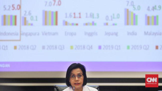 Menteri Keuangan Sri Mulyani Indrawati memaparkan kinerja terbaru APBN 2019 di Gedung Djuanda, Kementerian Keuangan, Jakarta, Senin, 18 November 2019. CNNIndonesia/Safir Makki