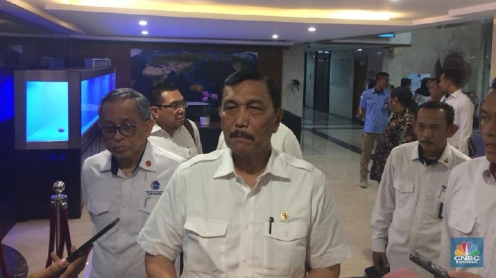Foto: Menteri Koordinator Bidang Kemaritiman dan Investasi Luhut Binsar Pandjaitan (CNBC Indonesia/Syahrizal Sidik)
