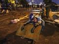 FOTO: Demo Semalam Suntuk di Universitas Politeknik Hong Kong