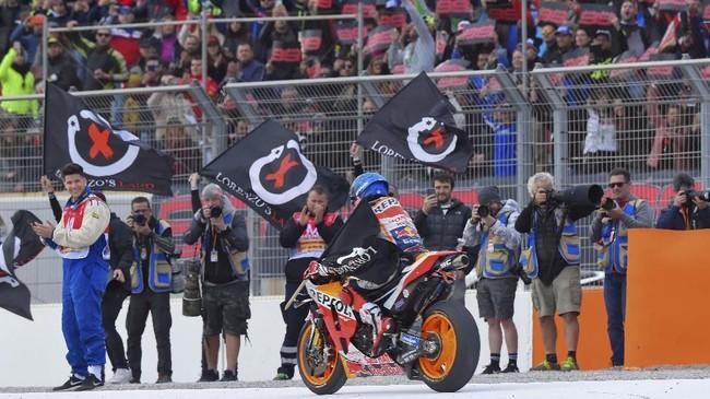 Jorge Lorenzo menjalani balapan terakhirnya pada ajang MotoGP di Valencia. Berikut foto-foto pilihan aksi Lorenzo di Sirkuit Ricardo Tormo.