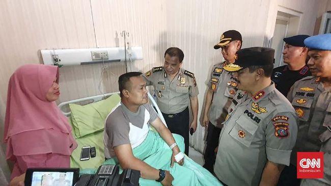 Enam korban bom di Mapolrestabes Medan masih dirawat di RS Bhayangkara, sementara jenazah terduga pembom belum diambil oleh keluarganya.