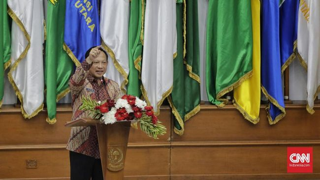 Menteri Dalam Negeri Tito Karnavian menunjuk Dani Ramdan sebagai Pj Bupati Bekasi yang kosong setelah Eka Supria meninggal karena covid-19.