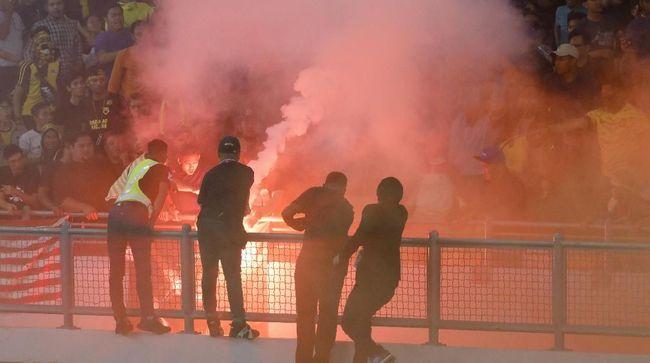 Sebanyak 41 suporter sempat ditahan usai laga Malaysia vs Indonesia pada laga kualifikasi Piala Dunia 2022 zona Asia di Stadion Bukit Jalil, Selasa (19/11).
