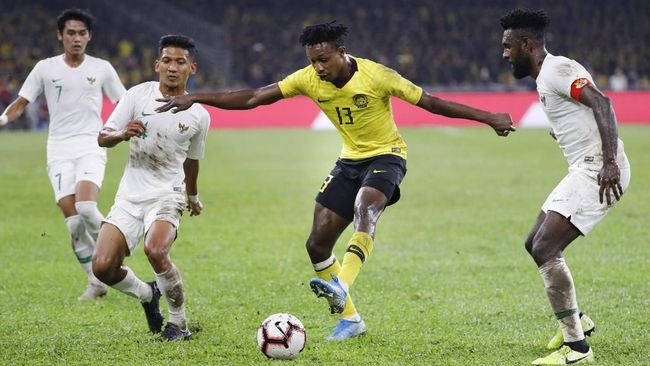 Indonesia kalah dari Malaysia dengan skor 0-2 dalam laga kualifikasi Piala Dunia 2022 di Stadion Bukit Jalil, Selasa (19/10).
