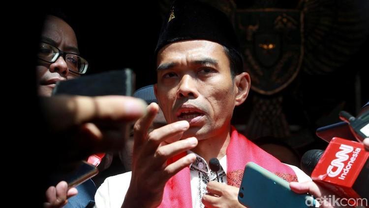 Gugatan cerai Ustaz Abdul Somad sudah dikabulkan Pengadilan Agama Bangkinang, Kabupaten Kampar.