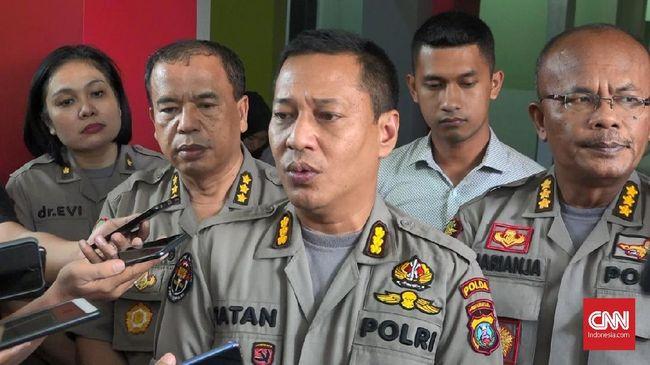 Polisi menangkap empat terduga teroris terkait bom bunuh diri di Mapolrestabes Medan. Total sudah 30 terduga teroris anggota JAD Medan yang diamankan.
