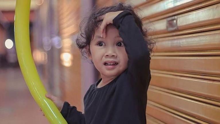 Sang anak menjadi objek fotografi Cecep Reza setiap kali ada kesempatan untuk mengambil gambar sang anak.