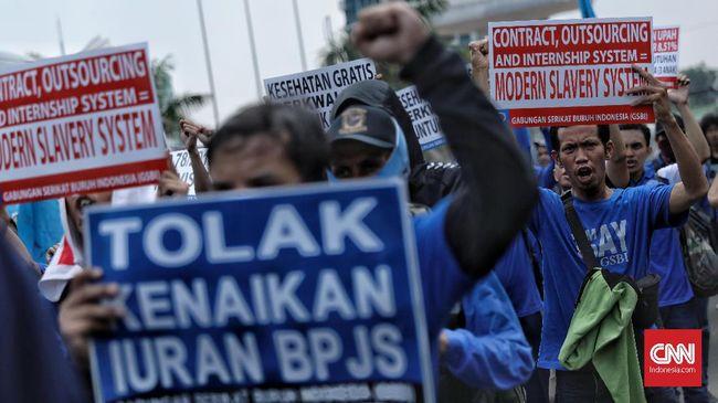 Buruh merasa ditinggalkan Jokowi dalam pembahasan RUU Omnibus Law Cipta Kerja karena tidak pernah diajak diskusi.