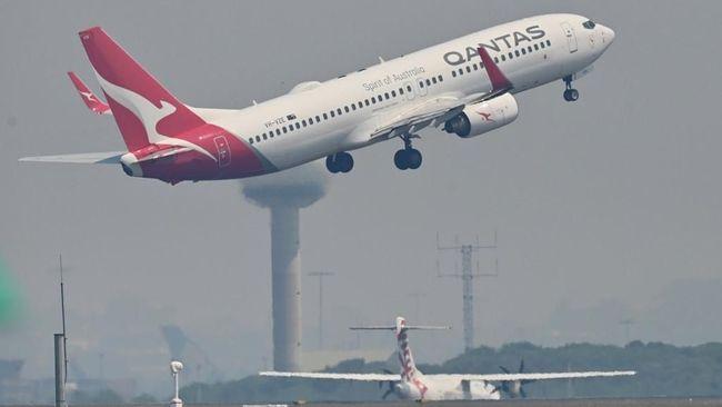 Maskapai asal Australia Qantas membukukan kerugian tahunan sebesar US$2 miliar dan akan memberhentikan 6.000 pekerja.