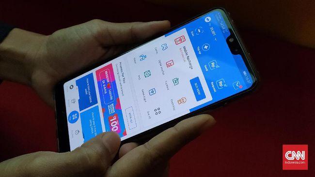 Dana dan LinkAja mengaku akan menyusul Gopay untuk menyediakan fitur agar penggunanya bisa membayar SPP lewat aplikasi dompet digital itu.