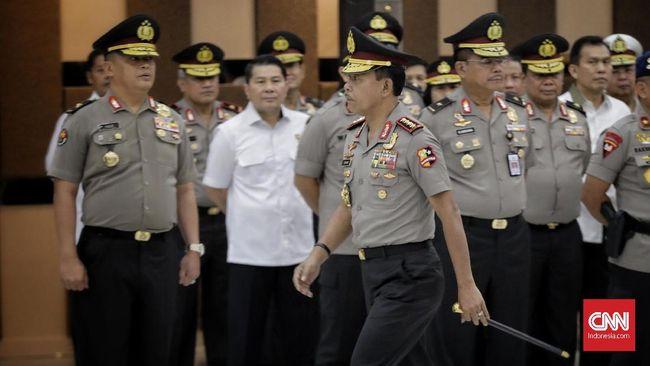Lebih dari 600 perwira polisi dimutasi Kapolri Jenderal Pol Idham Azis yang termuat dalam sembilan telegram berbeda pada 16 November lalu.