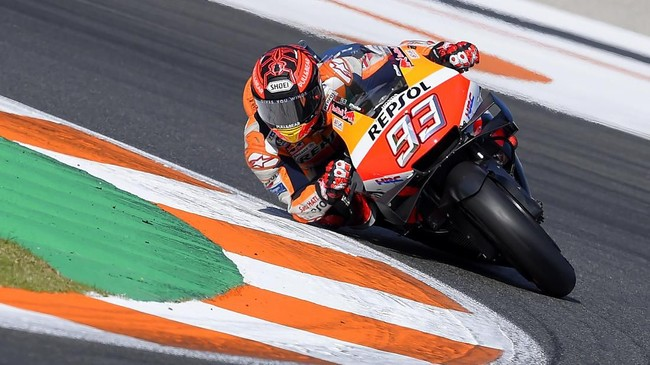 Repsol Honda Team Spanish rider Marc Marquez rides during a pre-season testing, at the Ricardo Tormo racetrack, in Cheste near Valencia, on November 20, 2019. (Photo by JOSE JORDAN / STR / AFP)