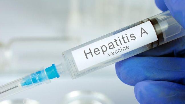 Kasus hepatitis A menyerang puluhan siswa Depok, Jawa Barat. Hepatitis A sendiri terjadi karena peradangan organ hati yang disebabkan virus.
