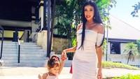 <div>Gadis kecil kesayangan Ayah Spaso dan Bunda Lelhy cantik banget deh. (Foto: Instagram/ @lelhyspaso)</div><div></div>