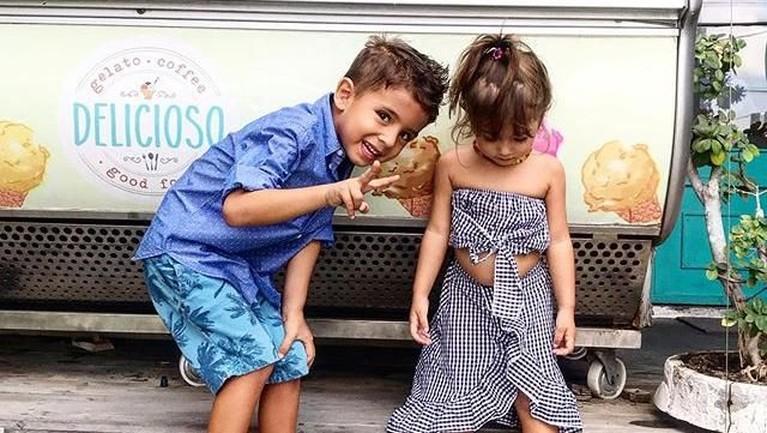 Terkadang, Irina malu jika diajak berfoto bersama dengan Dragan. Hal ini membuatsisi imut dan menggemaskan anak-anak mereka terlihat.