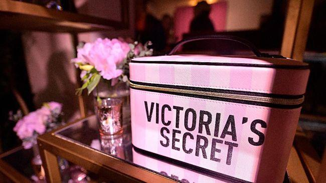 Victoria's Secret akan melantai di bursa saham New York, AS. Aksi go public atau pelepasan saham ini ditargetkan selesai pada Agustus 2021.