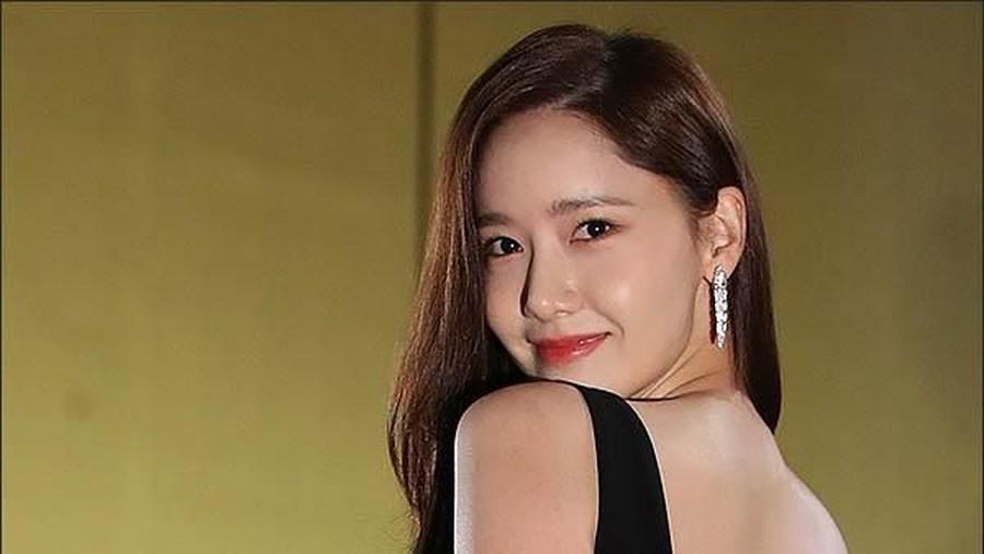 Pamer Punggung Mulus, Yoona 'SNSD' Banjir Pujian