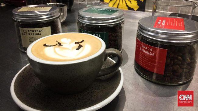 Ekonom menilai bisnis 'kopi kekinian' bisa menjadi peluang usaha di tengah perlambatan ekonomi.