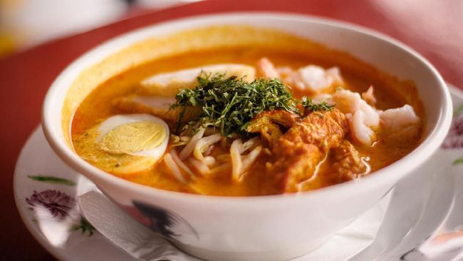 Sembari menanti pintu wisata dibuka, Anda punya waktu untuk melakukan perencanaan sebelum berkunjung ke Singapura. Berikut 5 rekomendasi kuliner khas Singapura.