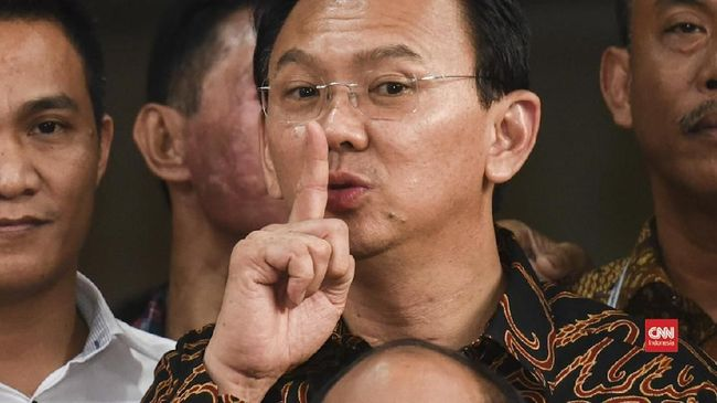 Stafsus BUMN menyebut Menteri BUMN Erick Thohir memanggil Komut Pertamina Ahok terkait pernyataannya yang mengkritisi direksi Pertamina.