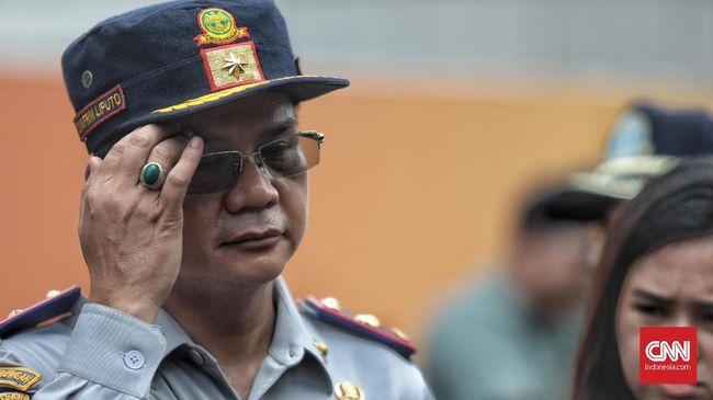 Plt Menhub Luhut B. Pandjaitan membatalkan larangan keluar masuk bus AKAP di Jakarta. Namun Kadishub DKI menyatakan telah berkoodinasi sebelumnya.