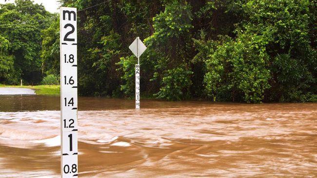 BPBD Jawa Barat menyiagakan personel untuk mengantisipasi terjadinya bencana hidrometeorologi di selatan Jabar, warga diminta tetap waspada.
