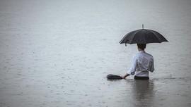 Manado Dikepung Banjir, Ketinggian Air hingga 60 cm