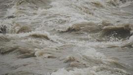 Banjir Bandang Terjang Wisata Parapat Danau Toba Saat Lebaran