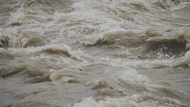 BPBD DKI Jakarta mengimbau warga di Jakarta Selatan dan Jakarta Timur untuk mewaspadai banjir pada Selasa (15/6).