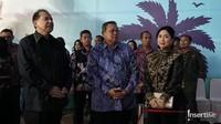 <p>Sejumlah pejabat penting hadir ikut merakan perayaan pernikahan perak Chairul dan Anita. Terlihat Presiden ke-6 RI, Susilo Bambang Yudhoyono hadir di pesta tadi malam. (Foto: Marianus Harmita/InsertLive)</p>