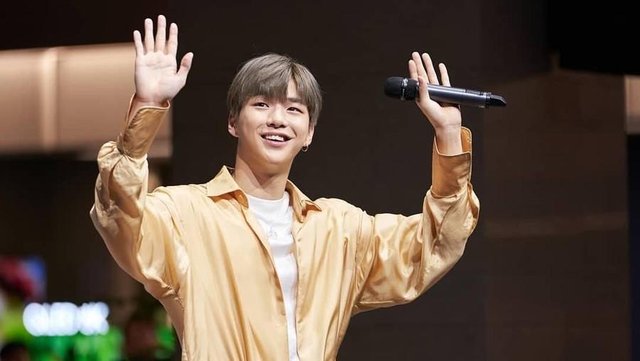 Penampilan Berbeda Kang Daniel di Lagu Terbaru 'TOUCHIN'