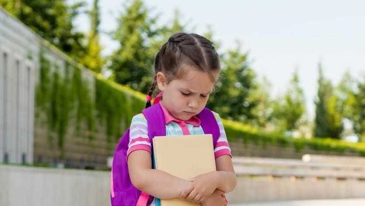 Si kecil enggak semangat dan menolak ke sekolah, Bun? Yuk simak kata-kata yang bisa memotivasi anak biar semangat.