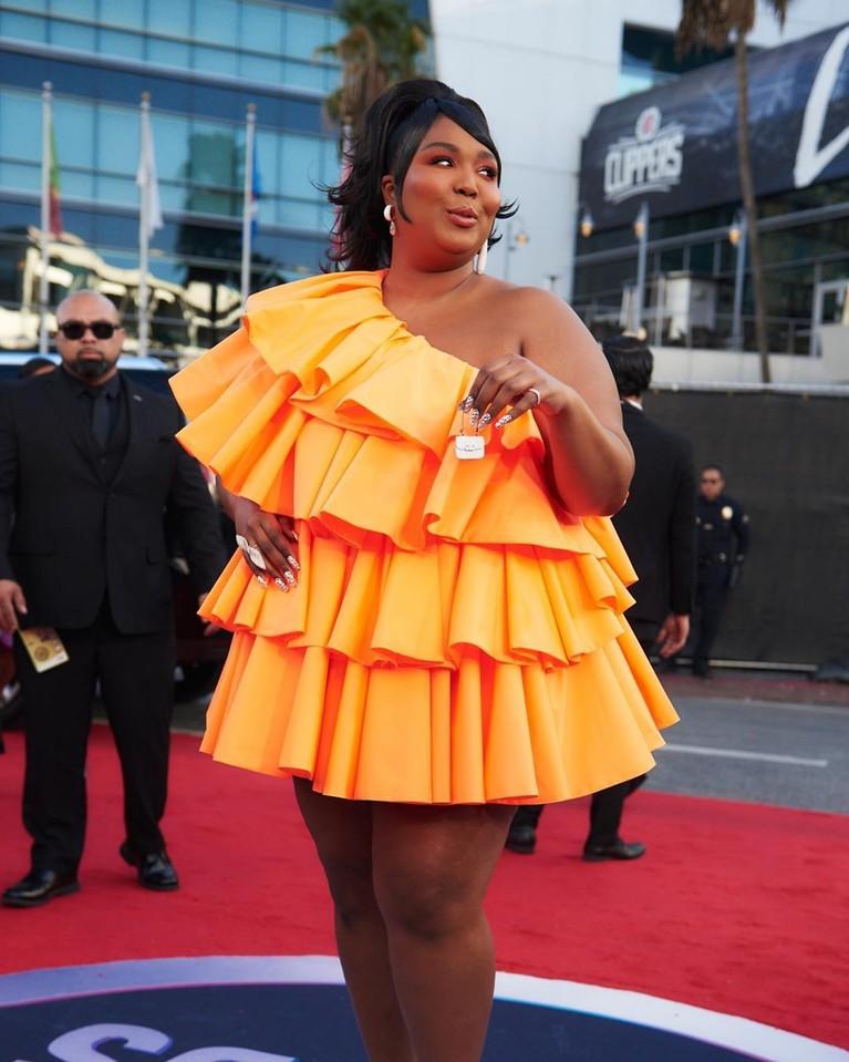 America Music Awards 2019 digelar di Los Angeles, Amerika Serikat, Minggu (24/11). Berikut 5 selebriti yang datang dengan pakaian terburuk.