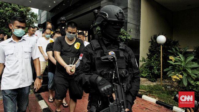 Sebanyak 85 warga China memilih Indonesia sebagai lokasi penipuan untuk menghindari kejaran aparat di negara asalnya.