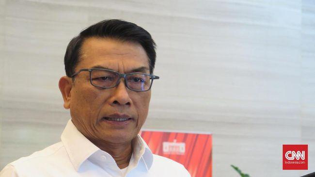 Moeldoko membantah kabar Presiden Jokowi memilih Komjen Listyo Sigit karena pernah menjadi Kapolres Solo.