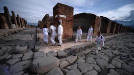 Curi Artefak Pompeii, Turis Akui Hidupnya Dikutuk dan Sial