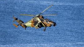 Helikopter Militer Irak Jatuh saat Lawan ISIS, 5 Orang Tewas