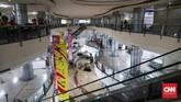 WTC Mangga Dua kini tak seramai dulu. Sebagian toko tak kuat menahan gempuran toko online.