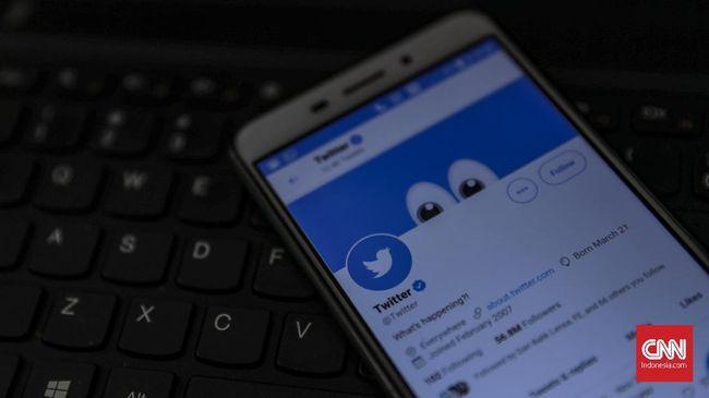 Warganet ramai pasang tagar Telkomsel di media sosial Twitter imbas kebakaran Sentral Telepon Otomat (STO) di Pekanbaru.